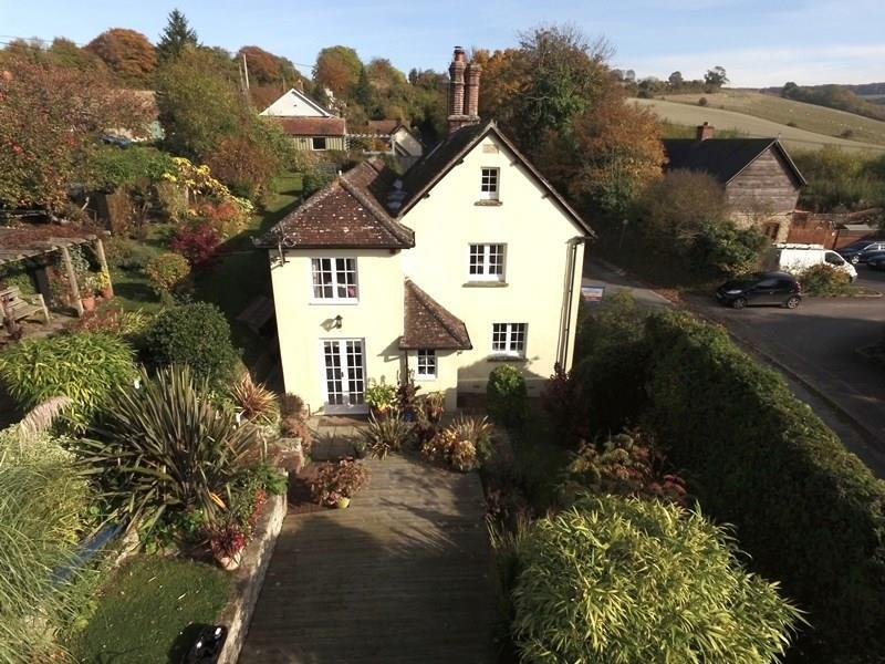 3 Bedrooms Semi Detached House for sale in Tower Hill, Iwerne Minster, Blandford Forum