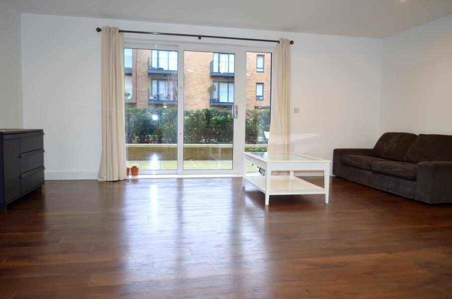 2 Bedrooms Apartment Flat for sale in Conningham Court - Kidbrooke Village - SE9