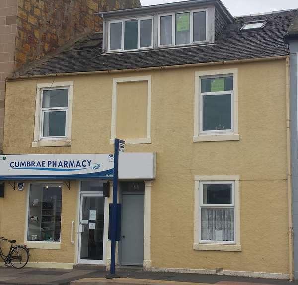 2 Bedrooms Maisonette Flat for sale in 31 Stuart Street, Town Centre, Millport, KA28 0AJ