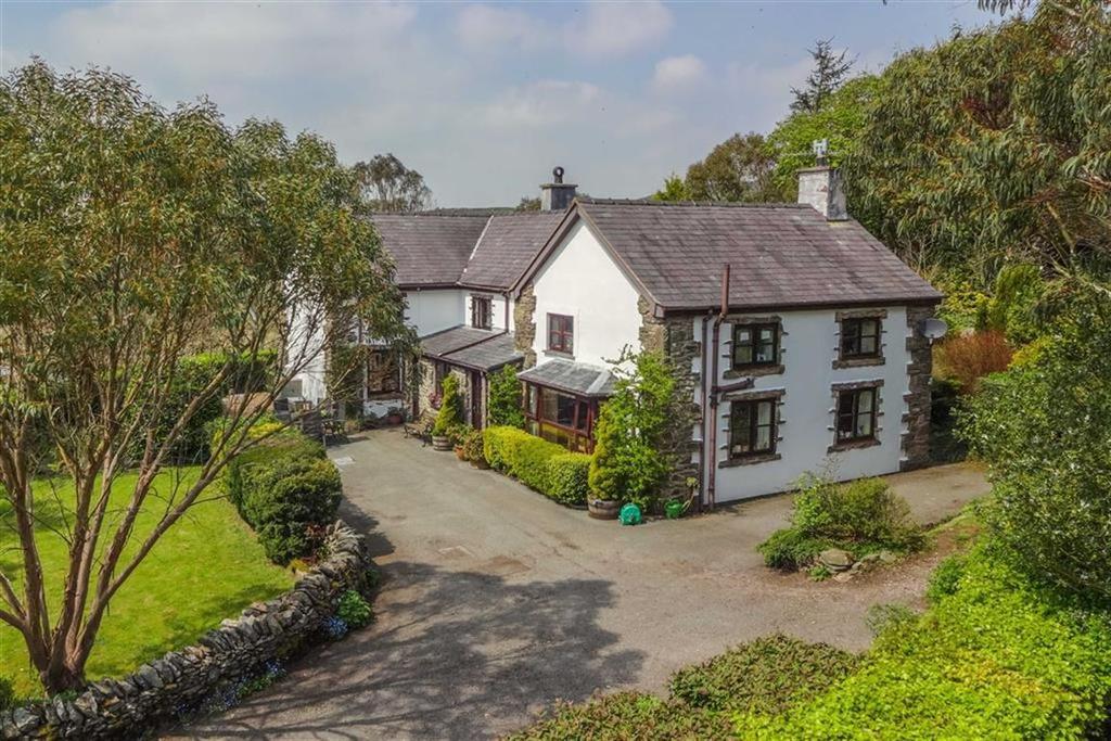 5 Bedrooms Detached House for sale in Cerrigydrudion, Corwen