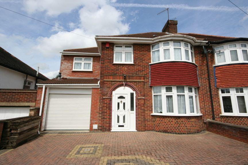 5 Bedrooms Semi Detached House for sale in Wykeham Hill, Wembley Park