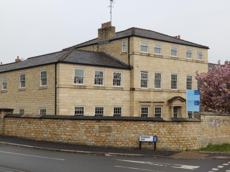 2 Bedrooms Apartment Flat for sale in NUNNERY WAY, CLIFFORD, WETHERBY, LS23 6SL