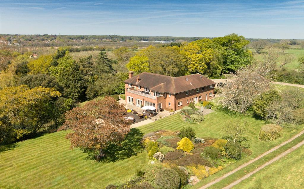 5 Bedrooms Detached House for sale in Monument Lane, Lymington, Hampshire, SO41