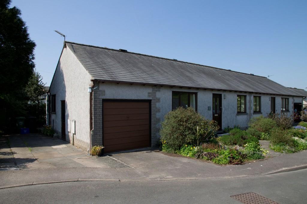 2 Bedrooms Semi Detached Bungalow for sale in Fir Trees, 8 Uplin Crescent, Allithwaite, Grange-Over-Sands, Cumbrira, LA11 7RR.