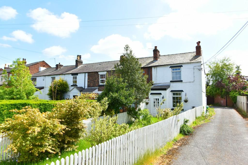 3 Bedrooms End Of Terrace House for sale in Halsall Lane, Ormskirk