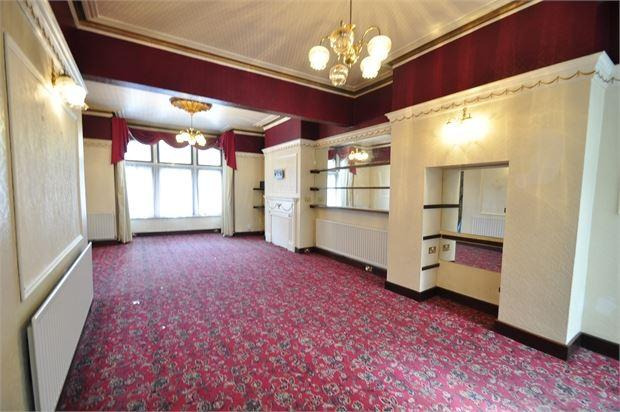 4 Bedrooms Terraced House for rent in Faulkner Road, City Centre, Newport, NP20 4PD