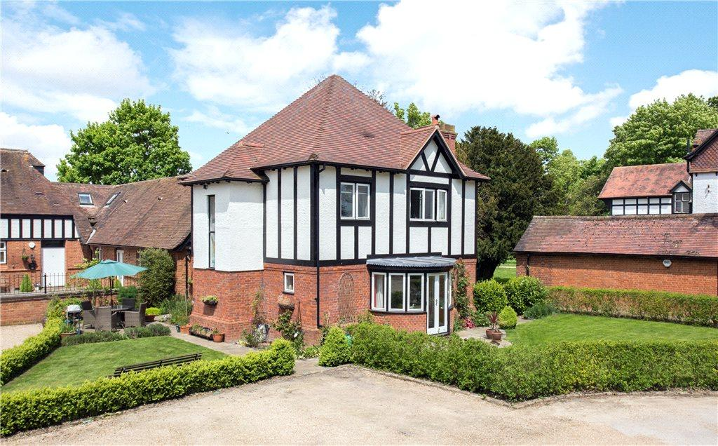 3 Bedrooms Link Detached House for sale in Mount Tabor Stables, Leighton Road, Wingrave, Buckinghamshire