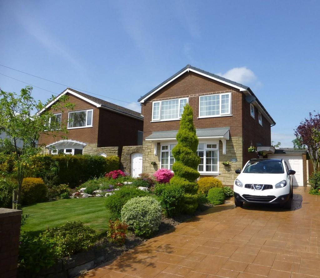 3 Bedrooms Detached House for sale in Hall Carr Lane, Longton