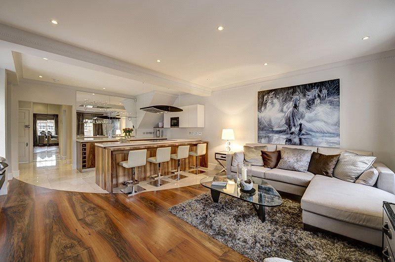 3 Bedrooms Maisonette Flat for sale in Eaton Terrace, London, SW1W