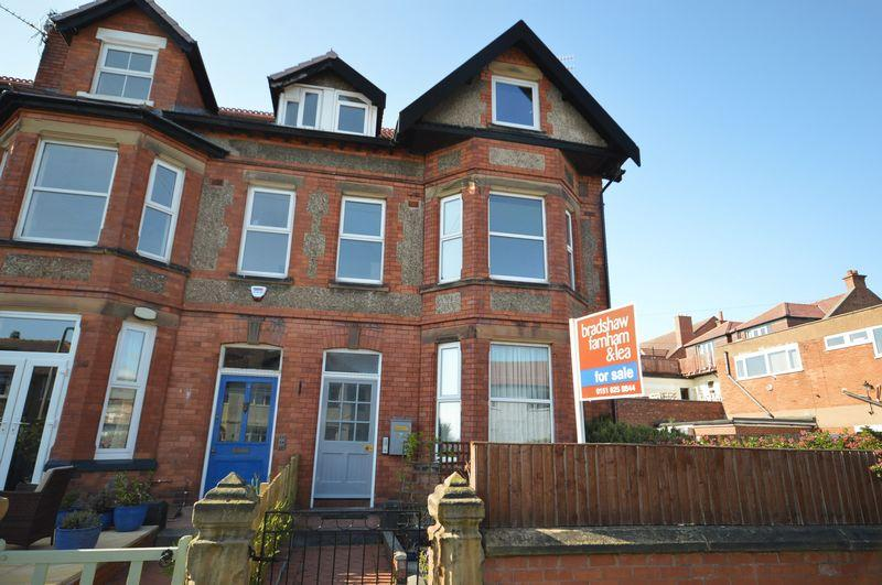 2 Bedrooms Flat for sale in Shrewsbury Road, West Kirby