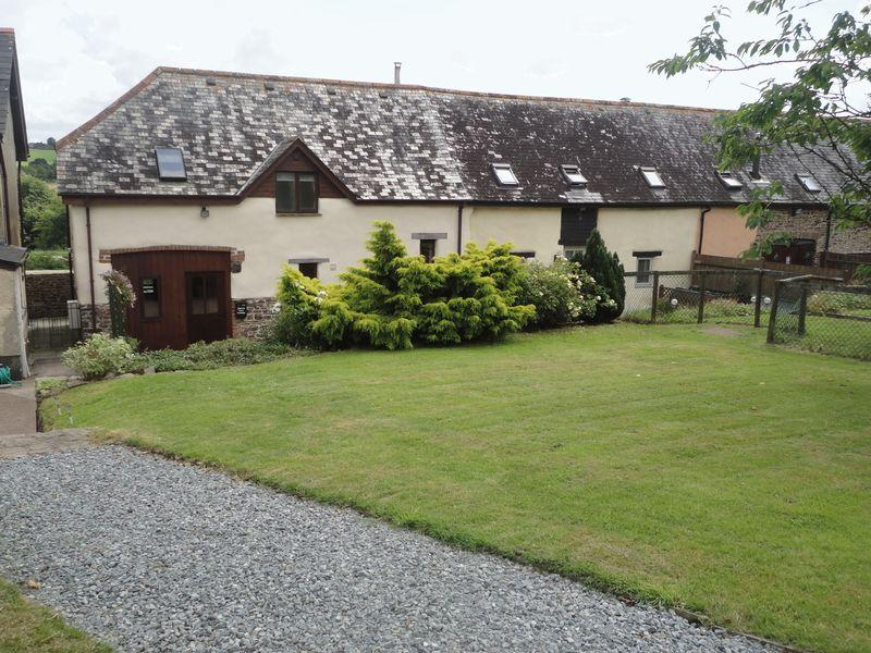 3 Bedrooms Barn Character Property for rent in Cherry Tree Cottage, Chawleigh