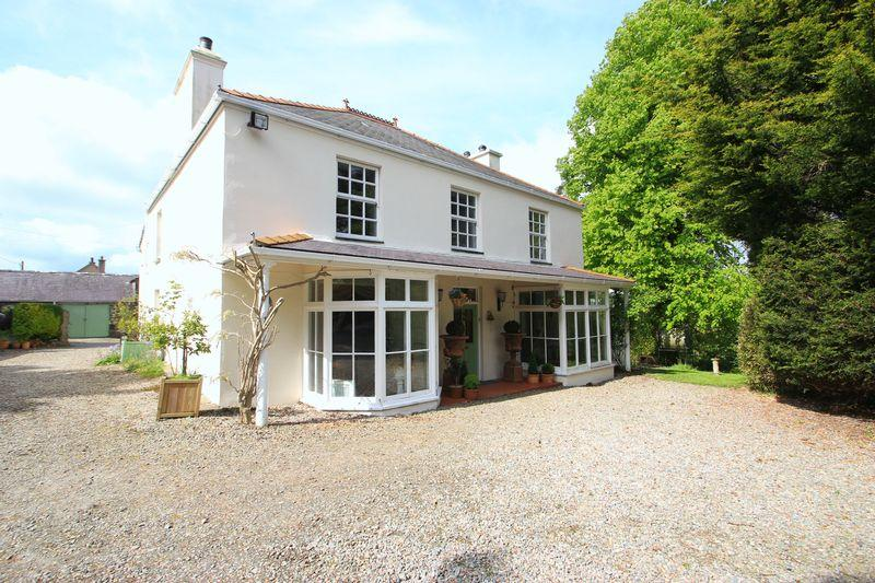 6 Bedrooms Detached House for sale in Llanwnda, Gwynedd