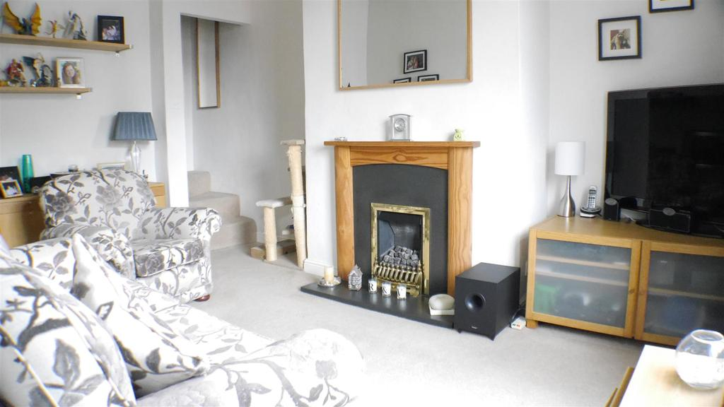 2 Bedrooms Terraced House for sale in Beldon Road, Great Horton, Bradford, BD7 3PG