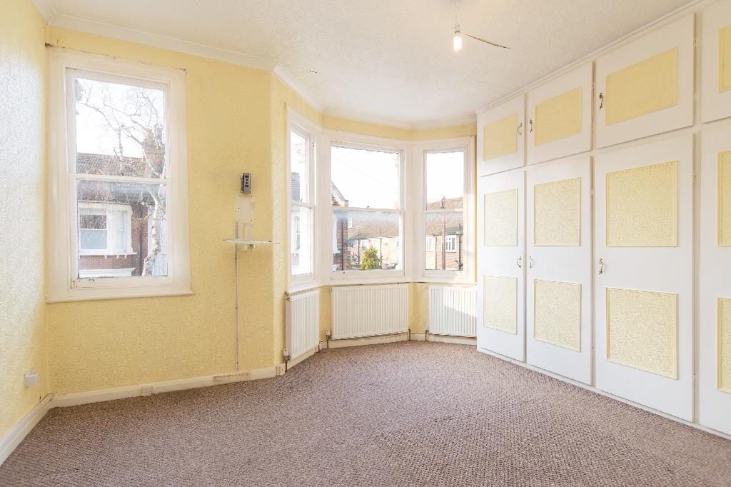 3 Bedrooms House for sale in Charteris Road, Queens Park