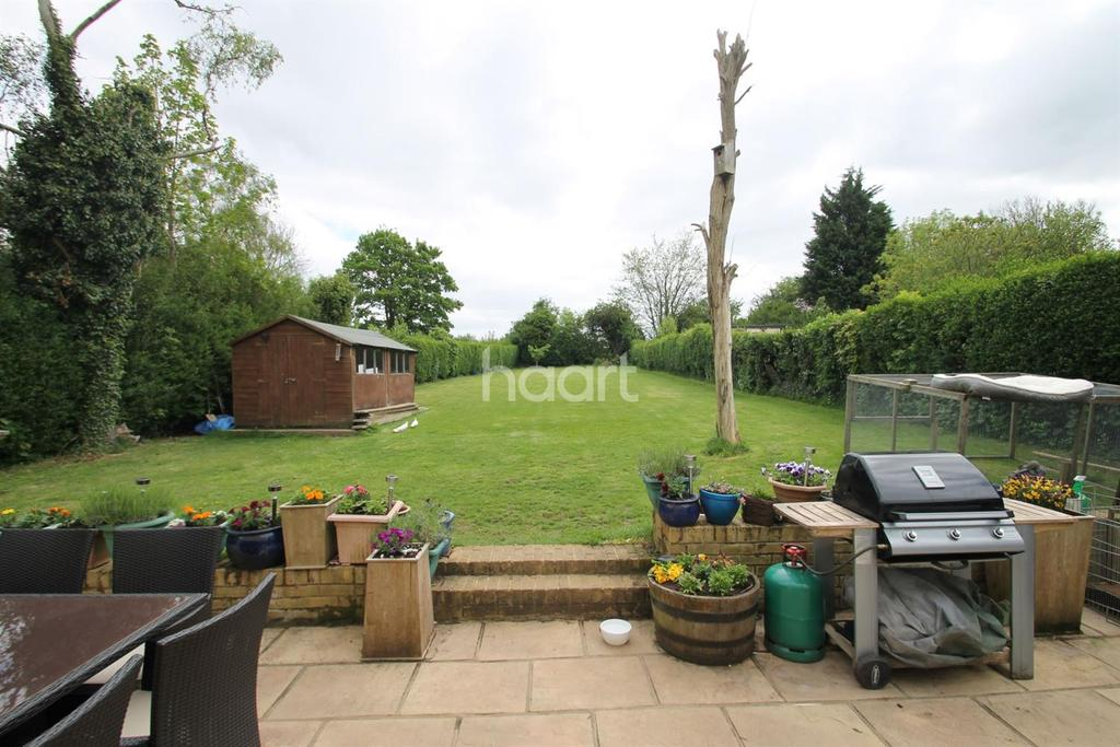 6 Bedrooms Bungalow for sale in Leaves Green Road, Keston