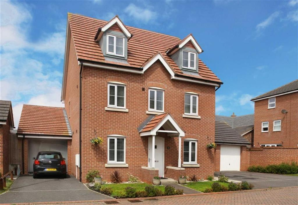 5 Bedrooms Detached House for sale in St Andrews Close, Weston, Cheshire