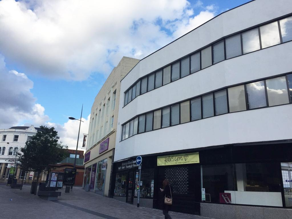 3 Bedrooms Flat for sale in PICCADILLY STREET, HANLEY, STOKE ON TRENT, STAFFORDSHIRE ST1