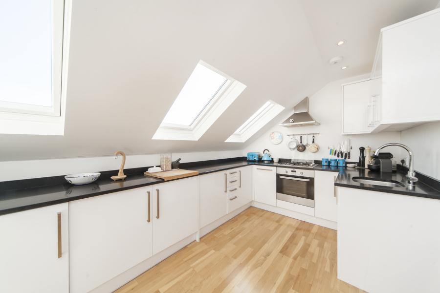 2 Bedrooms Flat for sale in Glenrosa Street, Fulham SW6