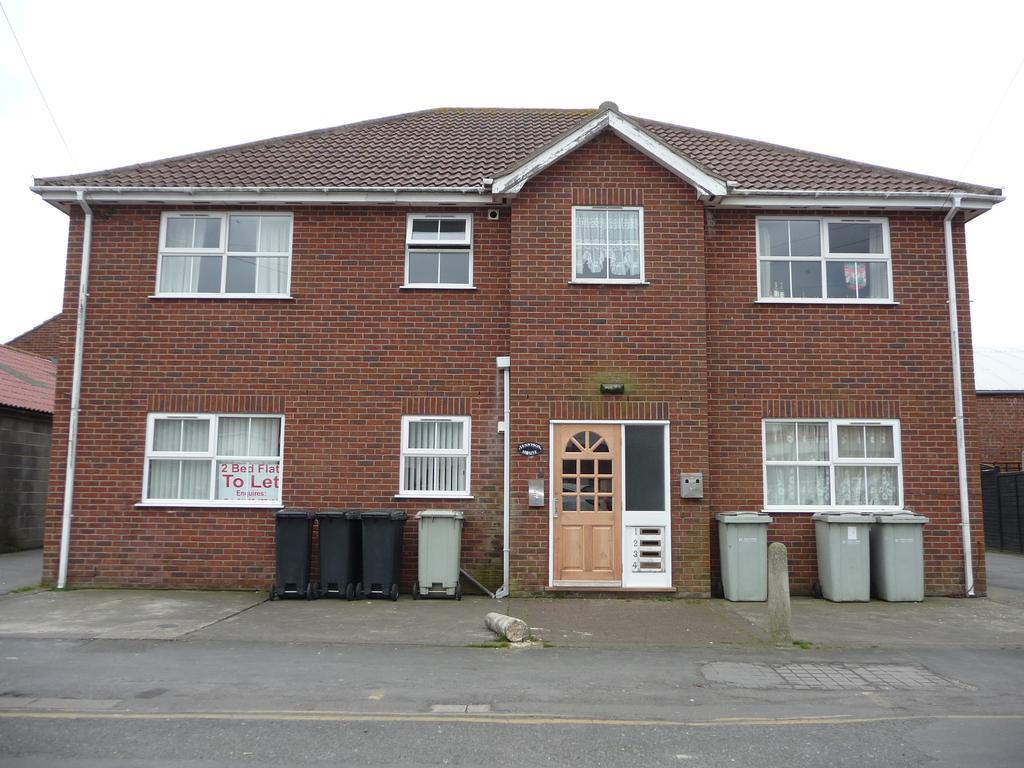 2 Bedrooms Flat for rent in Tennyson Road, Mablethorpe