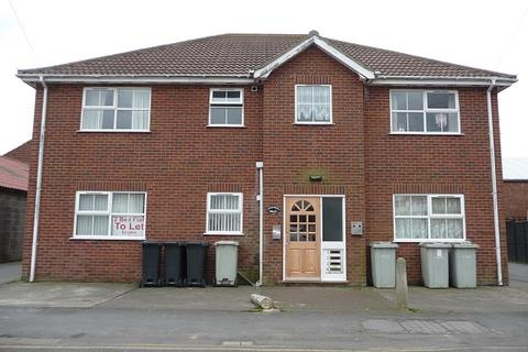 2 bedroom flat to rent - Tennyson Road, Mablethorpe