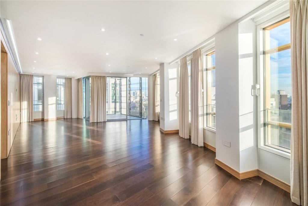 3 Bedrooms Flat for sale in Central St. Giles Piazza, Covent Garden, London