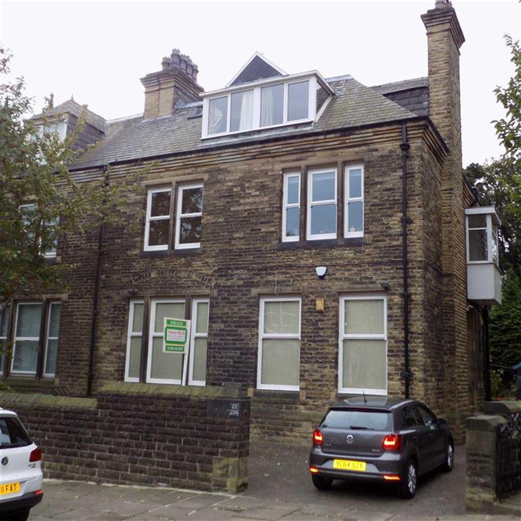 3 Bedrooms Flat for sale in Mountjoy Road, Edgerton, Huddersfield, HD1