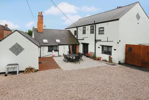 4 Bedrooms Detached House for sale in Lutterworth Road, Walcote, Lutterworth, LE17