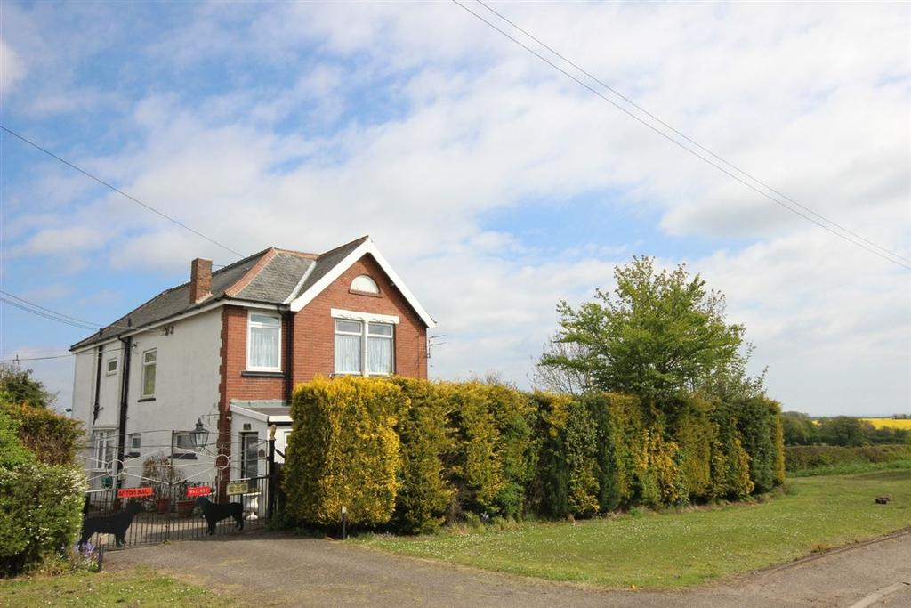 5 Bedrooms Detached House for sale in Hutton Henry, Hartlepool, Durham