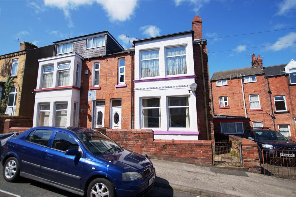3 Bedrooms Semi Detached House for sale in Langdale Road, Scarborough
