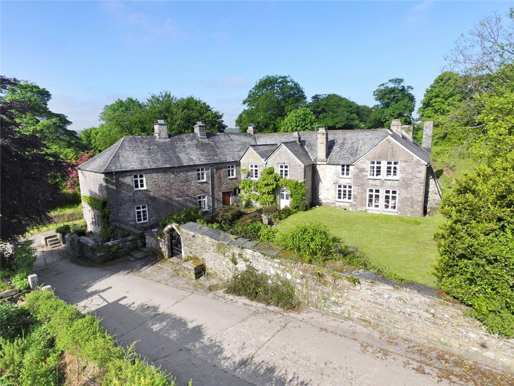 7 Bedrooms Farm House Character Property for sale in Polyphant, Launceston, Cornwall, PL15