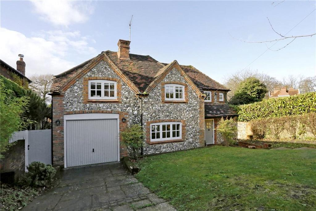 4 Bedrooms Detached House for sale in Beacon Hill, Penn, High Wycombe, Buckinghamshire, HP10