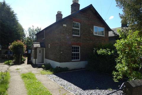 2 bedroom semi-detached house to rent - Alexandra Cottages, Hardings Lane, Penge, London