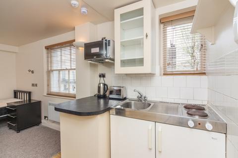 Studio to rent - Montpelier Road, Brighton, BN1