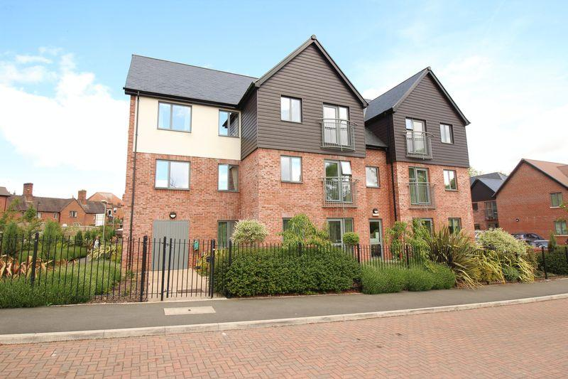 2 Bedrooms Apartment Flat for sale in Jebb Court, Dairy Grove, Ellesmere, SY12 0GA
