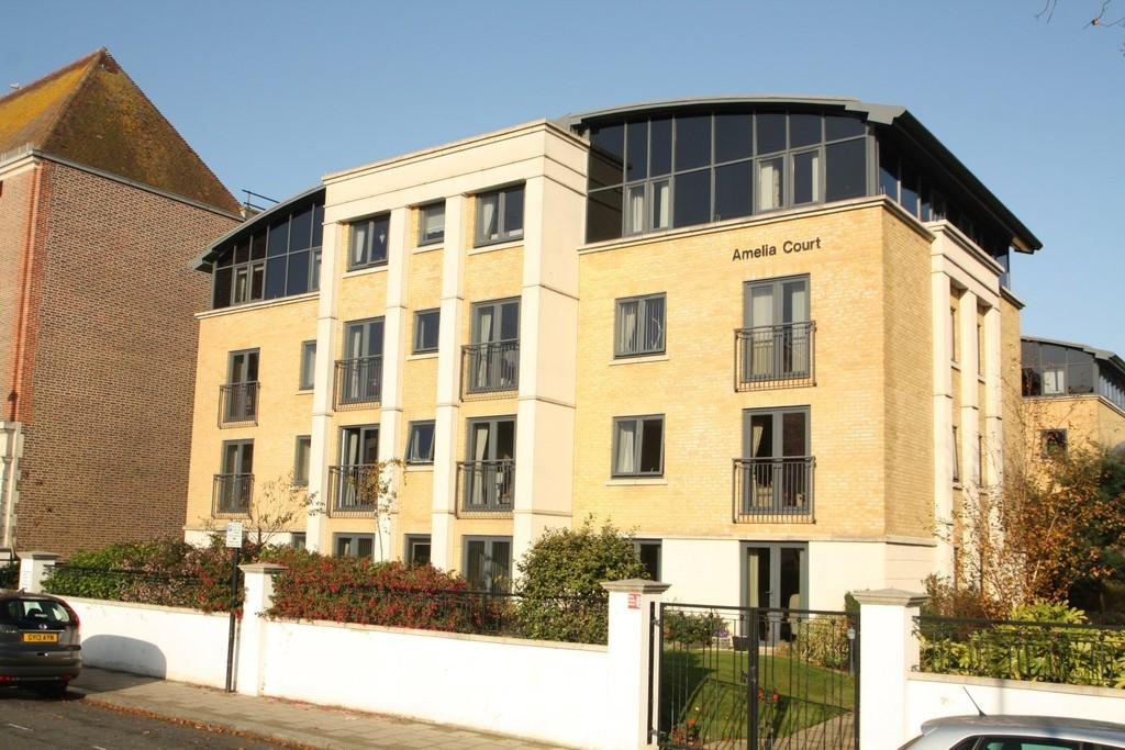 1 Bedroom Flat for sale in Amelia Court, Union Place, Worthing BN11 1AH