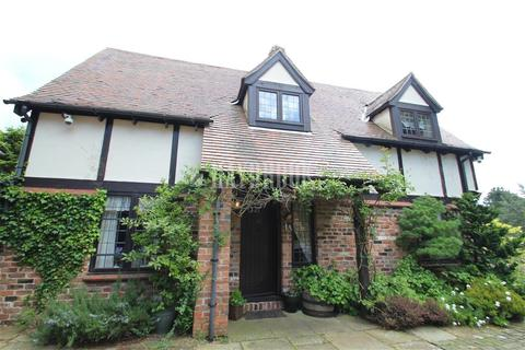 4 bedroom detached house to rent - Whiteley Lane, Fulwood S10