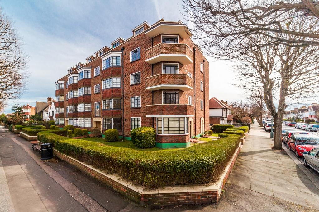 2 Bedrooms Apartment Flat for sale in Brittany Court, HOVE, BN3