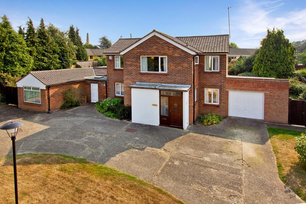 5 Bedrooms Detached House for sale in Telegraph Hill, Higham ME3