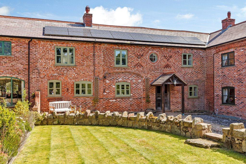 3 Bedrooms Barn Conversion Character Property for sale in Ruabon, Wrexham, Wrecsam