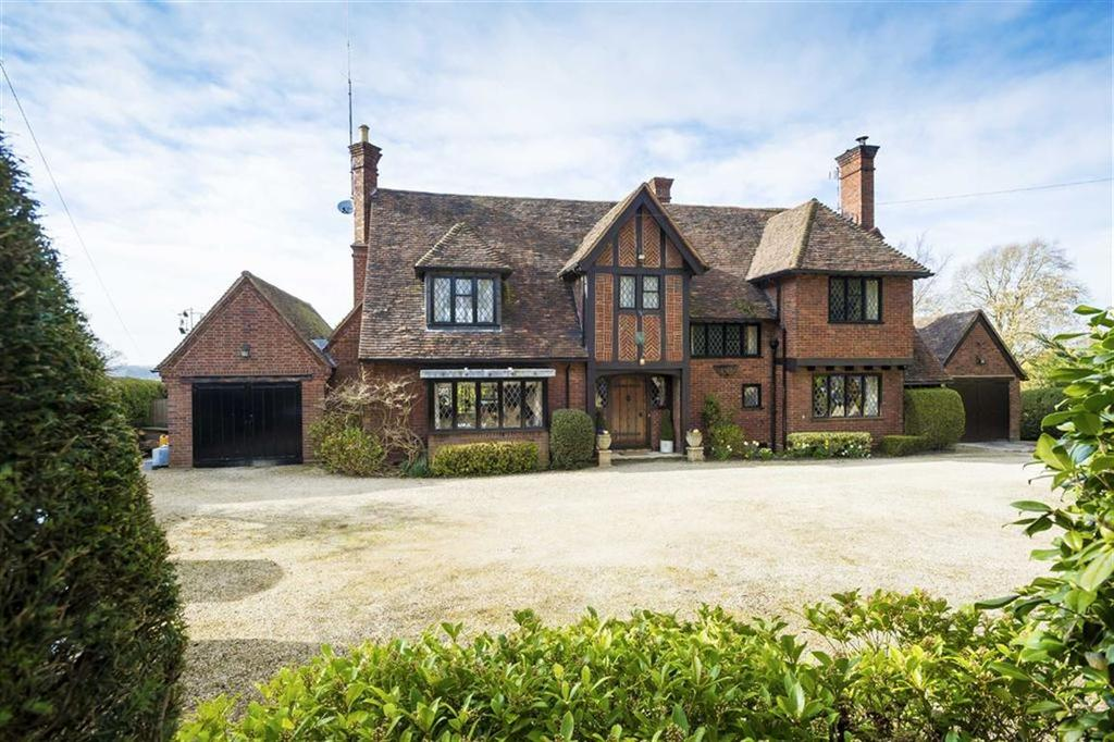 4 Bedrooms Detached House for sale in Stoneleigh Road, Blackdown, Leamington Spa