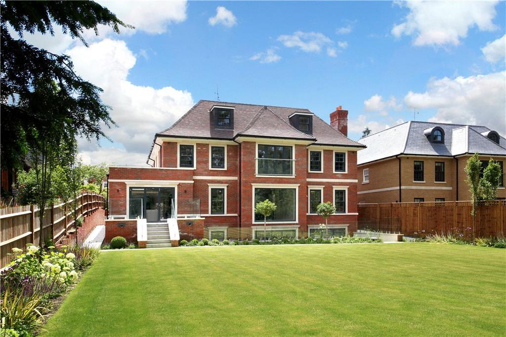 5 Bedrooms Detached House for sale in High Drive, Oxshott, Surrey, KT22