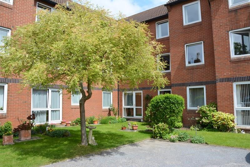 1 Bedroom Apartment Flat for sale in Rectory Road, Burnham-On-Sea