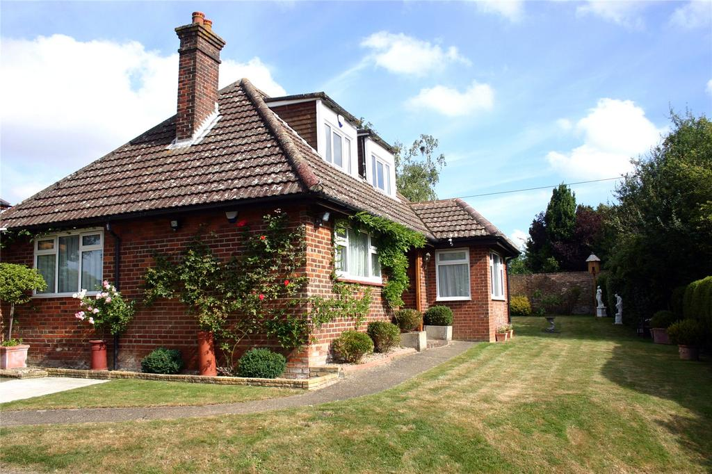 4 Bedrooms Detached Bungalow for sale in New Dover Road, Canterbury, Kent