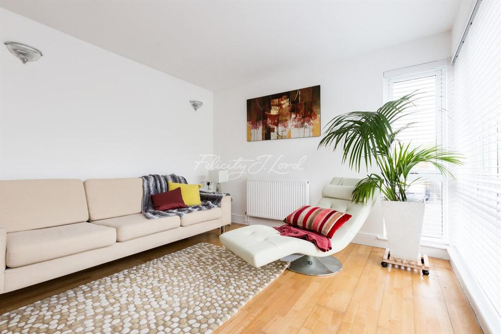 2 Bedrooms Flat for sale in Sutcliffe Park