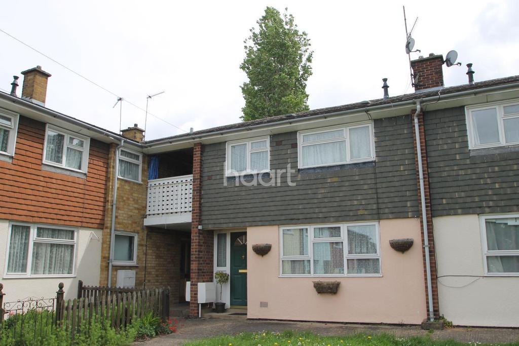3 Bedrooms Flat for sale in St Nicholas Close, Bury St Edmunds