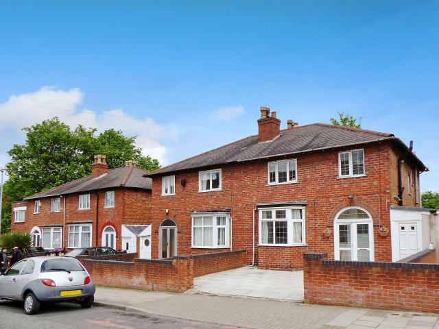 3 Bedrooms Semi Detached House for sale in Robert Road,Handsworth,Birmingham
