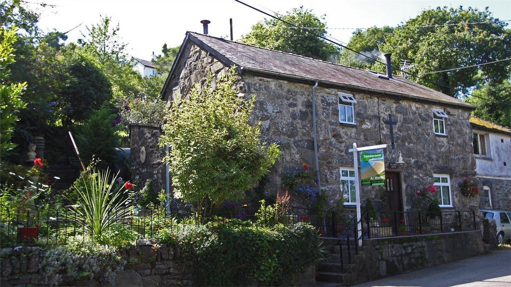 3 Bedrooms Detached House for sale in Ty Gwyn Bach, Harlech, Gwynedd