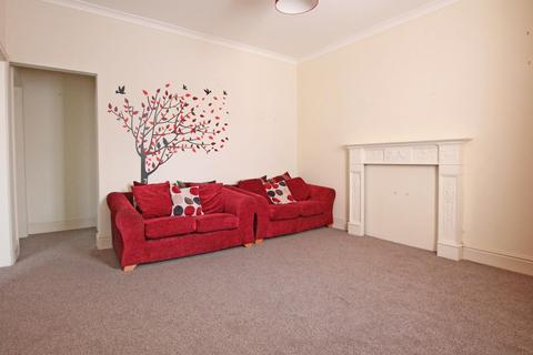 2 bedroom flat to rent - King Street, HU16