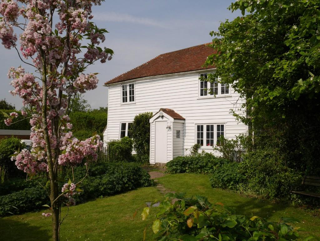 3 Bedrooms House for sale in Wittersham Road, Iden, East Sussex TN31 7XB