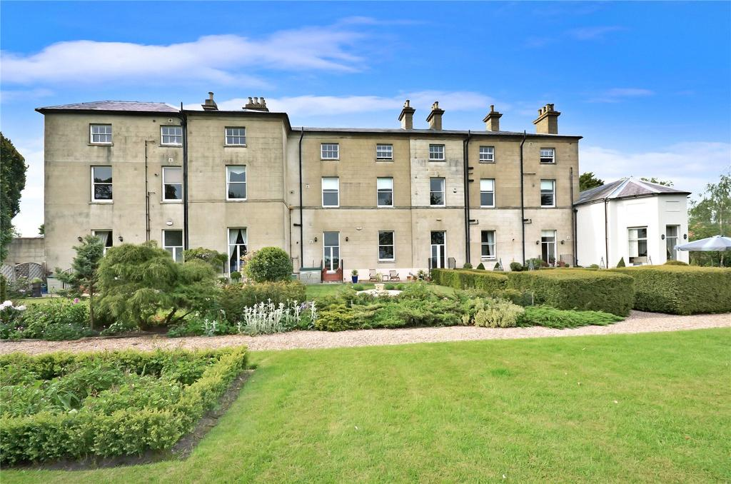 2 Bedrooms Apartment Flat for sale in Hall Drive, Burton On The Wolds, Loughborough